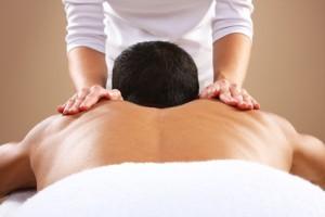 Man krijgt Rugmassage